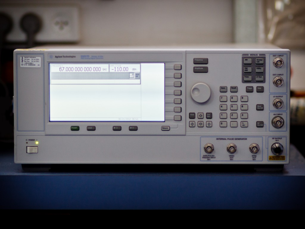 The PSG analog signal generator delivers industry-leading output power, level accuracy, and phase