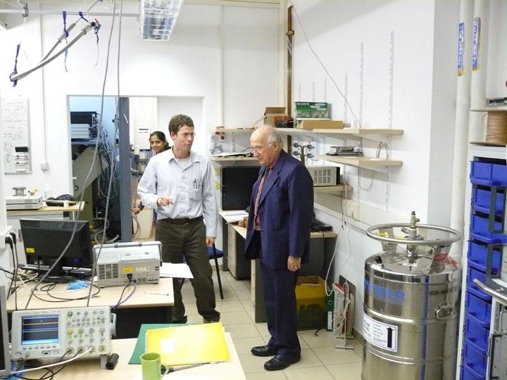 Dr. Roald Hoffmann from Cornell University, New York (Nobel Prize in Chemistry)